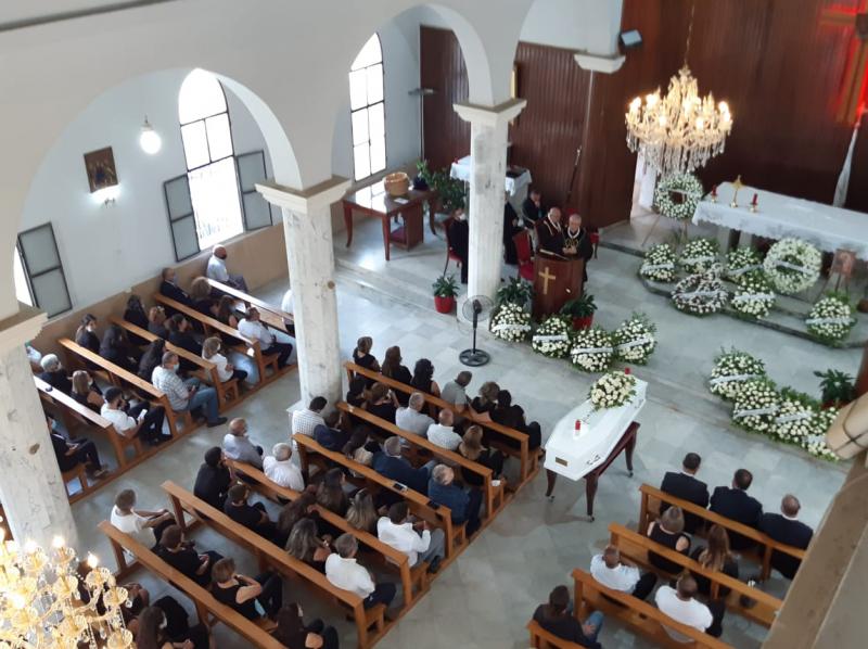 Près de 150 morts et d'émouvantes funérailles pour les victimes