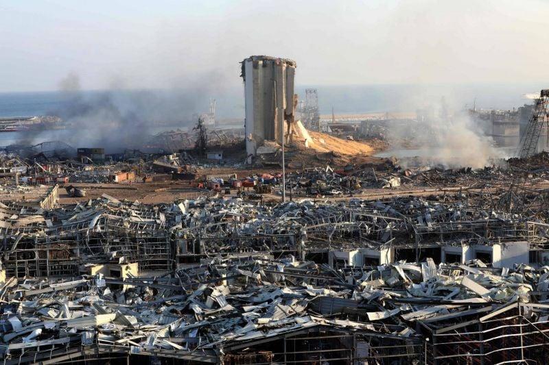 Selon de nombreux témoignages, des avions ont été entendus avant l'explosion, mais Israël dément toute implication