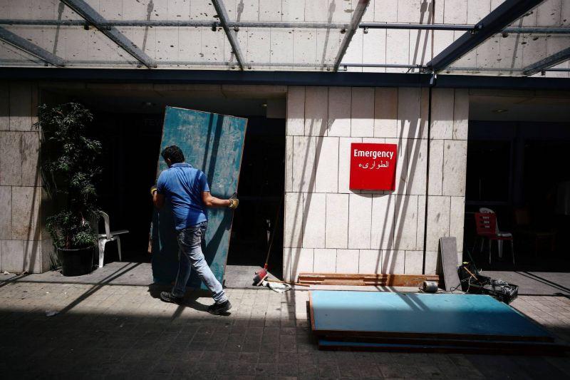 Durement affecté, le secteur hospitalier déterminé à se redresser