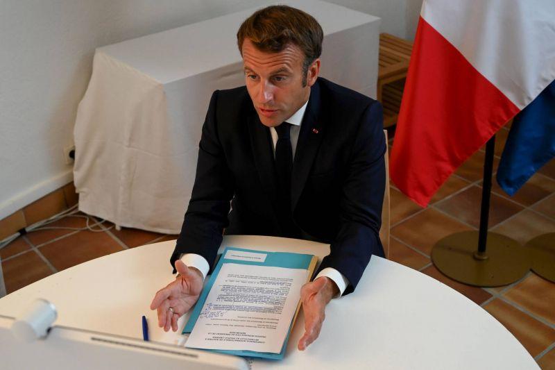 Macron met en garde contre toute