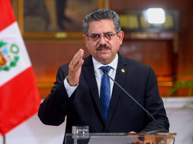 Le président par intérim, Manuel Merino, annonce sa démission — Pérou