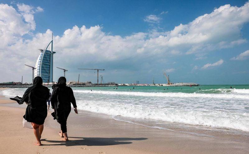 Les Emirats suspendent les nouveaux visas pour 13 pays dont le Liban