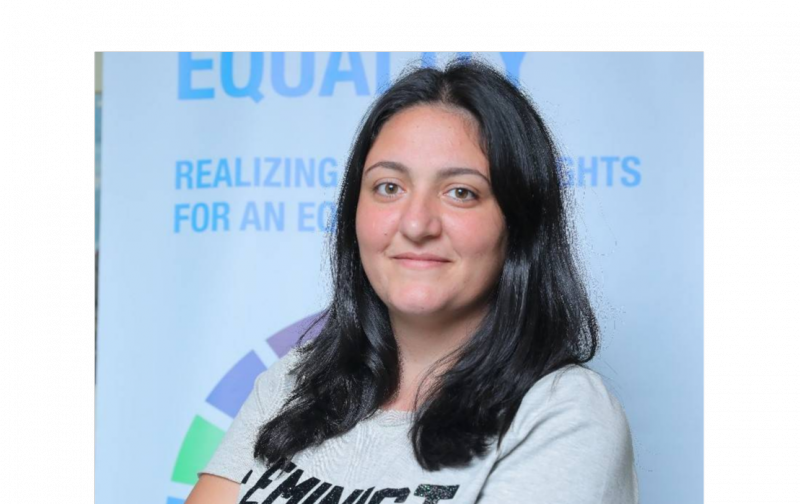 Hayat Mirshad, jeune féministe battante, fait la chasse aux stéréotypes et aux comportements machistes