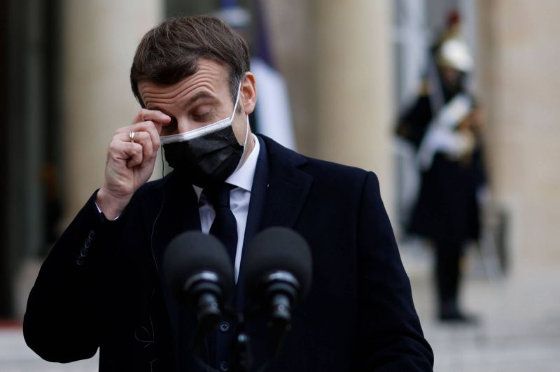 Macron positif au Covid-19, sa visite au Liban annulée