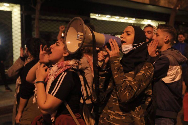 Les étudiants libanais laissent éclater leur colère et crient leurs revendications