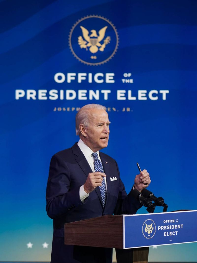 Moscou croise le fer avec Biden à un mois de sa prise de fonction