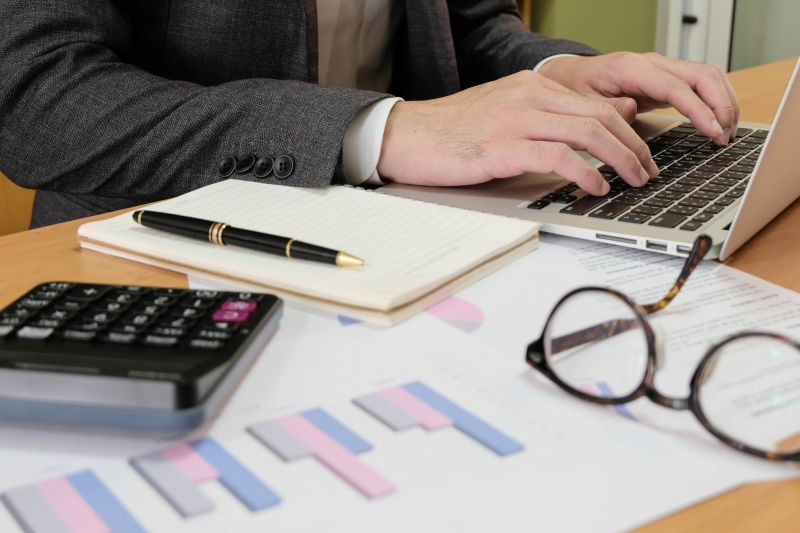 Le ministère des Finances reconnaît officiellement l'existence d'un taux parallèle