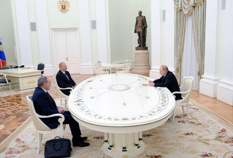 Poutine envisage une solution sur le «long terme»