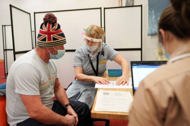 Londres réunit un milliard de dollars pour distribuer le vaccin aux pays en développement