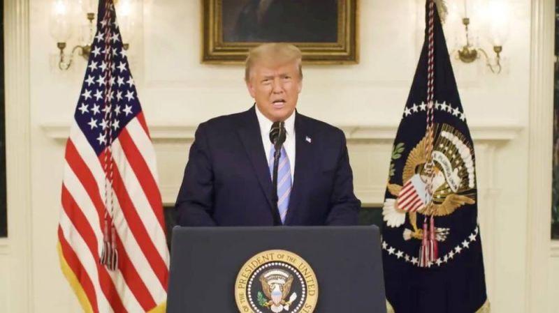La présidence Trump vacille, Biden se pose en pacificateur