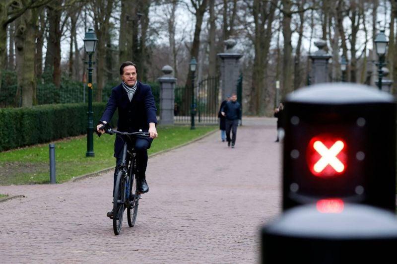 Le chef des travaillistes démissionne après un scandale administratif — Pays-Bas