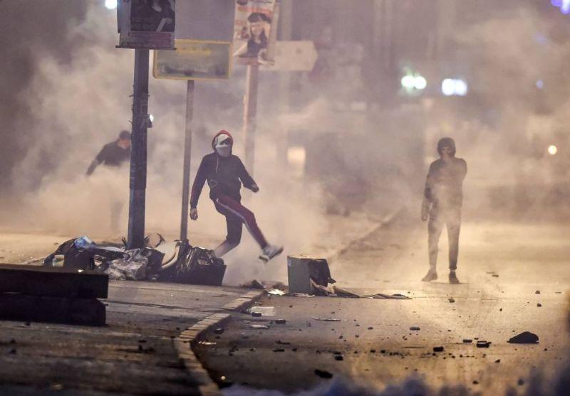 Six-cent arrestations, l'armée en renfort après des émeutes