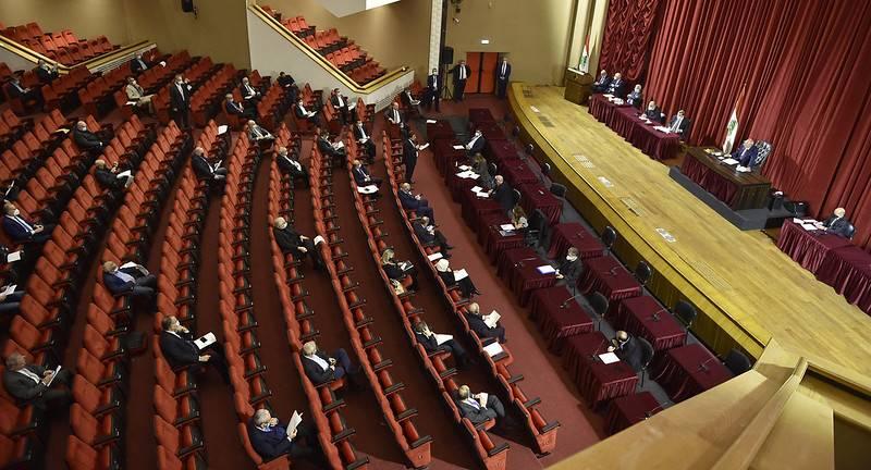 Le Parlement adopte la loi autorisant l'importation de vaccins anti-Covid