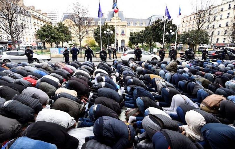 Neuf mosquées fermées en France