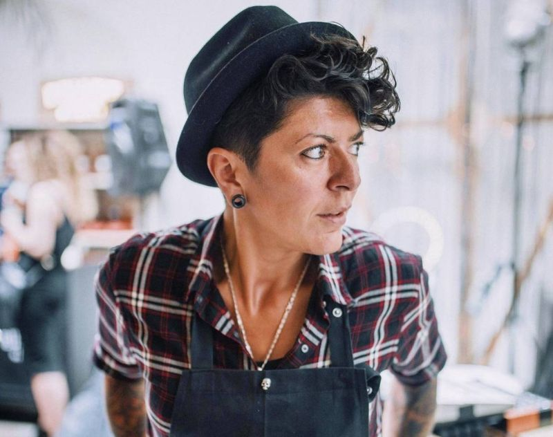 Chantal Tabet,  la chef au chapeau