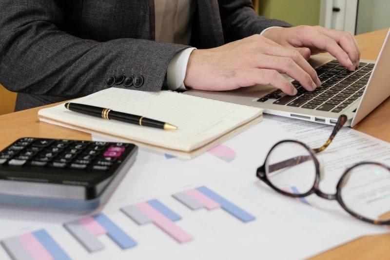 Facturation en livres: l'ordre des experts-comptables clarifie sa position