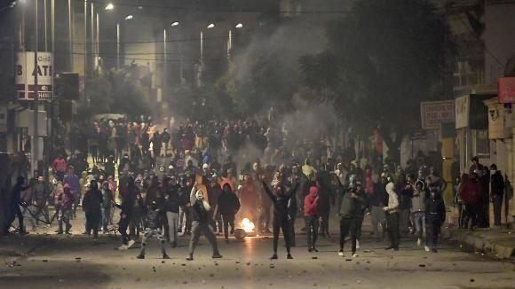 Des associations protestent contre des dérives policières