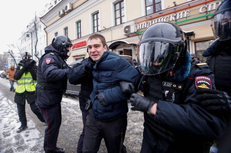 La police russe bloque plusieurs villes lors de nouvelles manifestations pro-Navalny