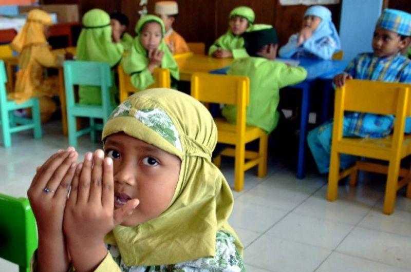 L'Indonésie interdit le hijab obligatoire dans les écoles
