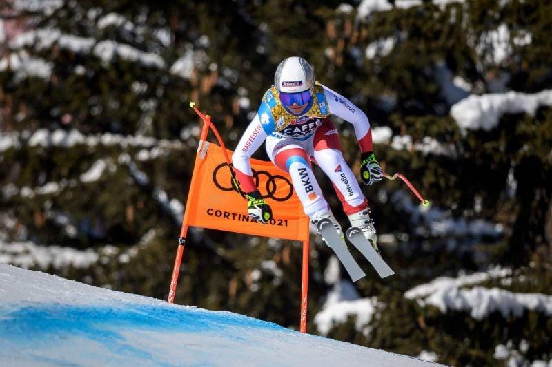 Corinne Suter, madame Mondiaux, frappe encore en descente à Cortina d'Ampezzo