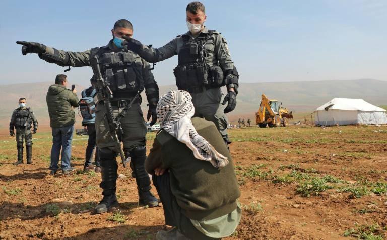 Planter, détruire, replanter : guerre d'usure entre Israéliens et bédouins dans le Jourdain