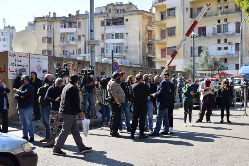 Les protestations se multiplient avec l'allègement des restrictions