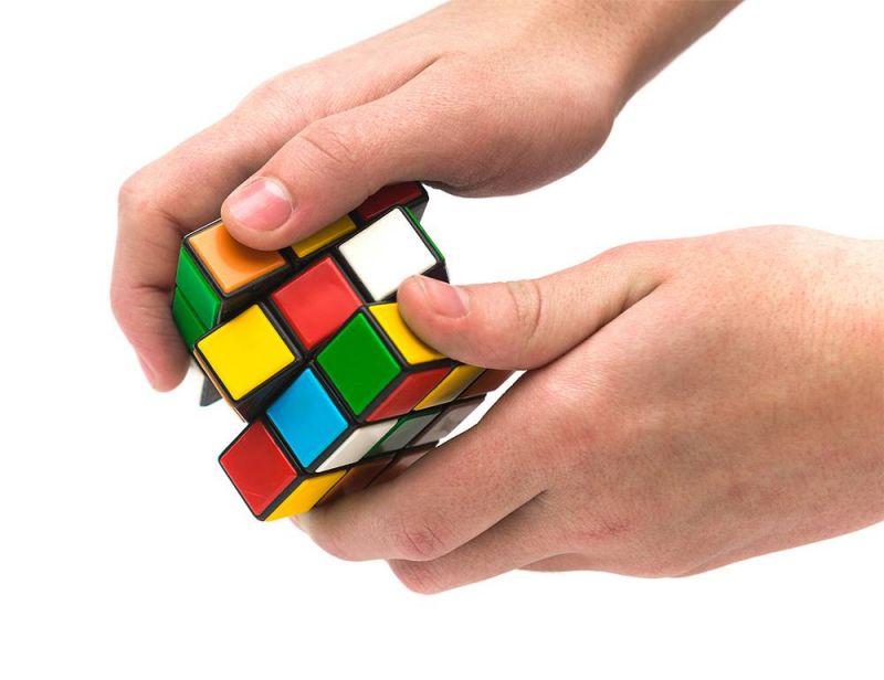 «Rubik's Cube», puzzle des puzzles, expliqué par son créateur