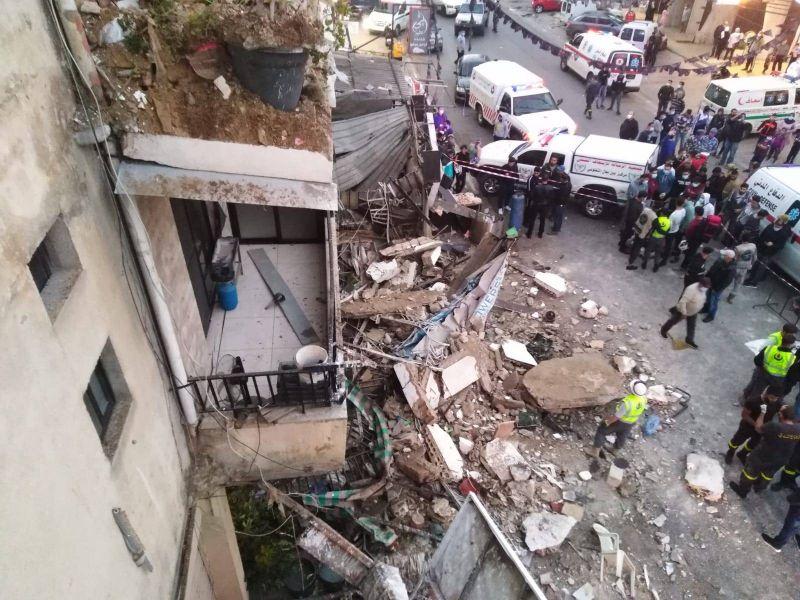 Le balcon d'un bâtiment à Tyr s'effondre, dégâts matériels