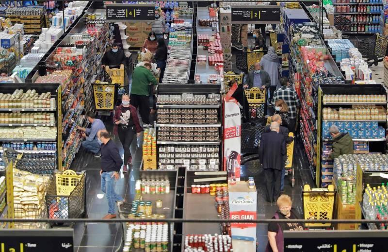 Dans un supermarché, une dispute pour du lait subventionné dégénère
