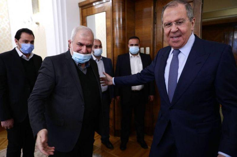 Une délégation du Hezbollah évoque la «stabilité» du Liban et de la région avec Lavrov
