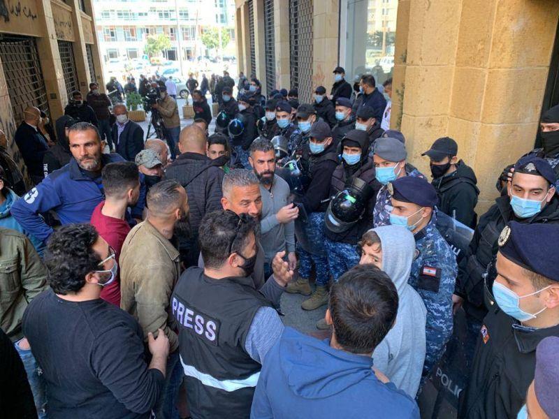 La rue ne décolère pas, le Liban secoué du Nord au Sud en passant par la capitale