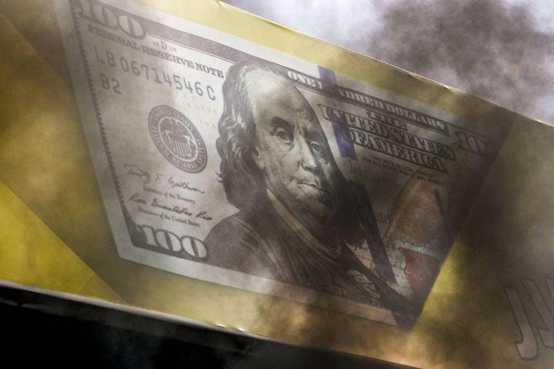 La livre poursuit sa chute et dépasse les 13.000 L.L. pour un dollar