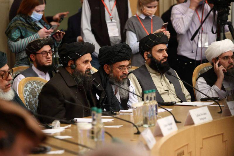 A Moscou, les médiateurs appellent les talibans à renoncer à leur offensive