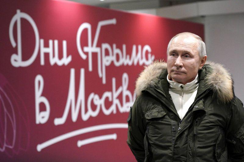 Poutine propose à Biden une discussion diffusée