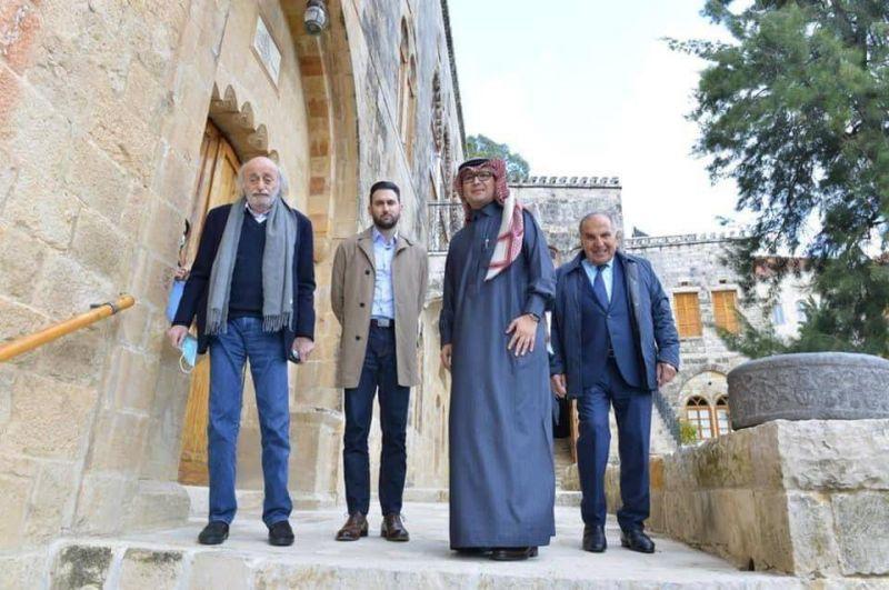 Pourquoi Riyad s'active (enfin) au Liban