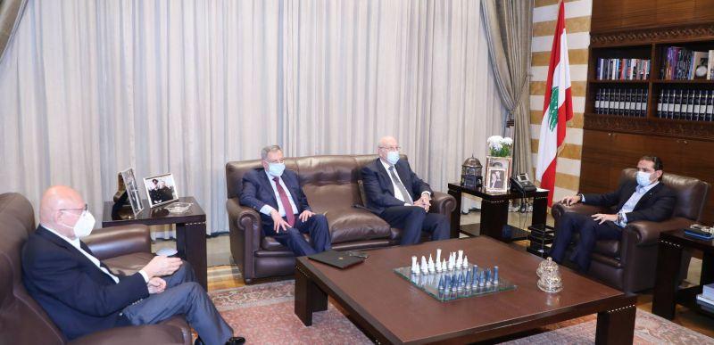 Baabda cherche à se débarrasser de Hariri, sans le reconnaître