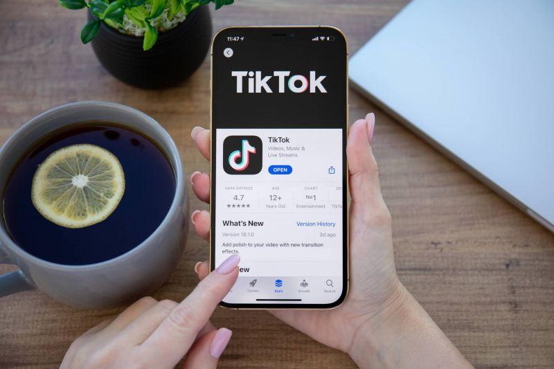 TikTok et Twitch, nouveaux canaux d'info