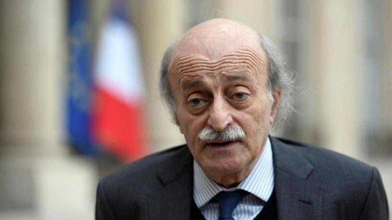Walid Joumblatt à L'OLJ : « Il y a autour du président des gens qui ne veulent pas de Saad Hariri »