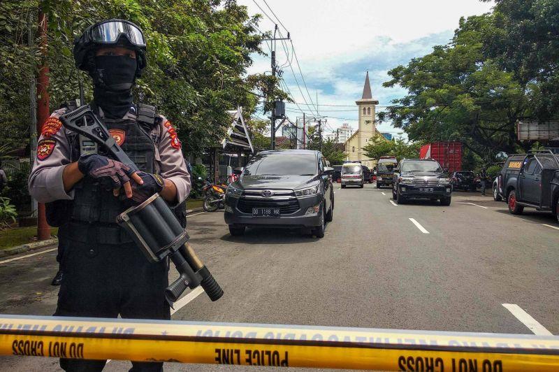 Attentat suicide contre une cathédrale, les assaillants proches de l'EI