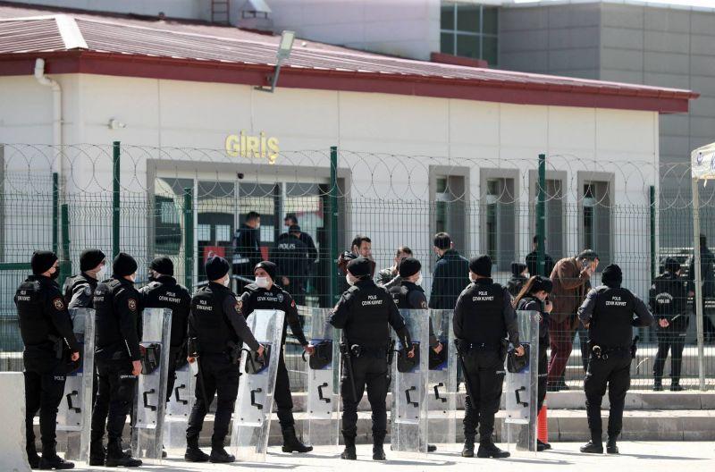 Prison à vie pour 32 ex-militaires en lien avec le putsch manqué