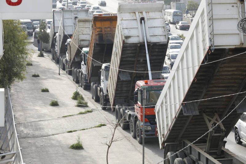 Forte mobilisation des transporteurs routiers en grève