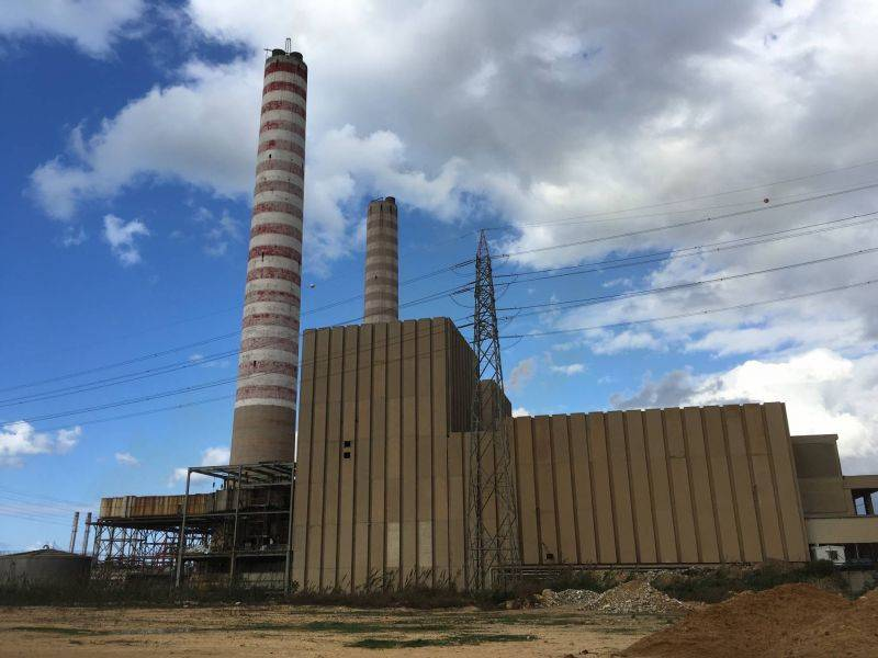 Blackouts could reach 16–22 hours per day over the Easter weekend after a second major power plant shuts down