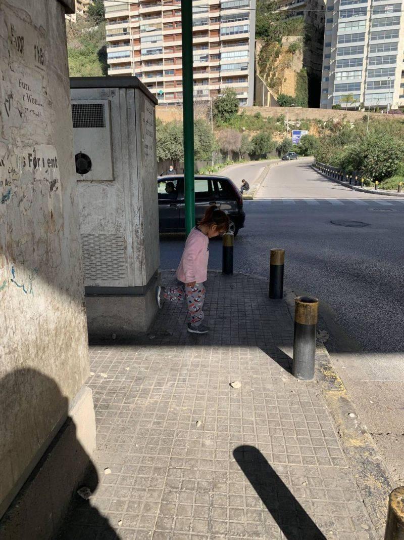 Under the Jisr al-Wati bridge, people who beg and the homeless dream of a better world