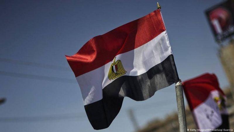 Un animateur égyptien vedette se met