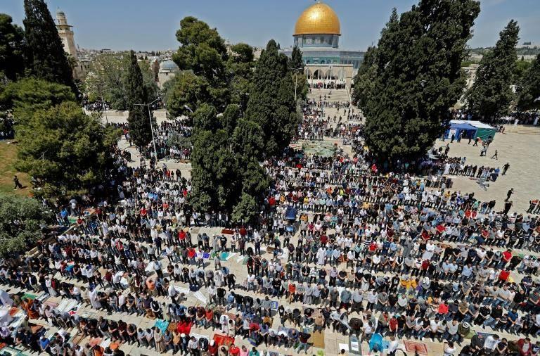 Le plus grand rassemblement sur l'esplanade des Mosquées depuis le Covid