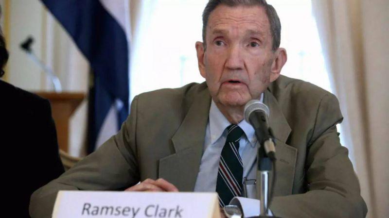 Ramsey Clark, ex-ministre de la Justice et avocat de Saddam Hussein, est mort
