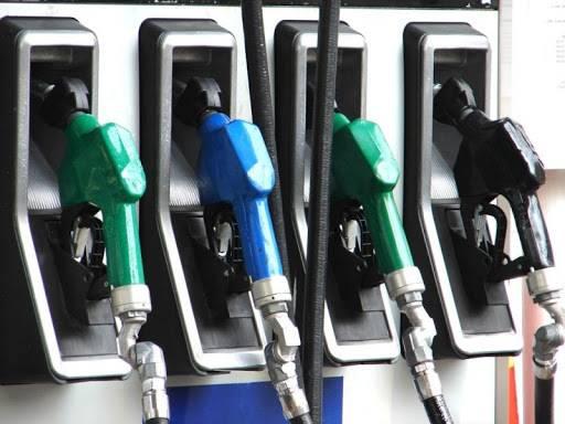 Le prix de l'essence en hausse de 100 livres