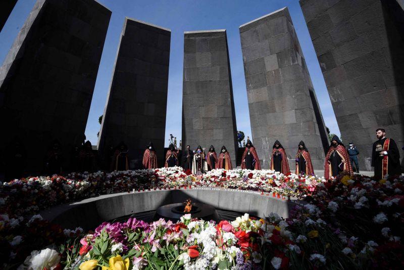 10 000 personnes rassemblées à Erevan, Biden appelle Erdogan — Génocide arménien