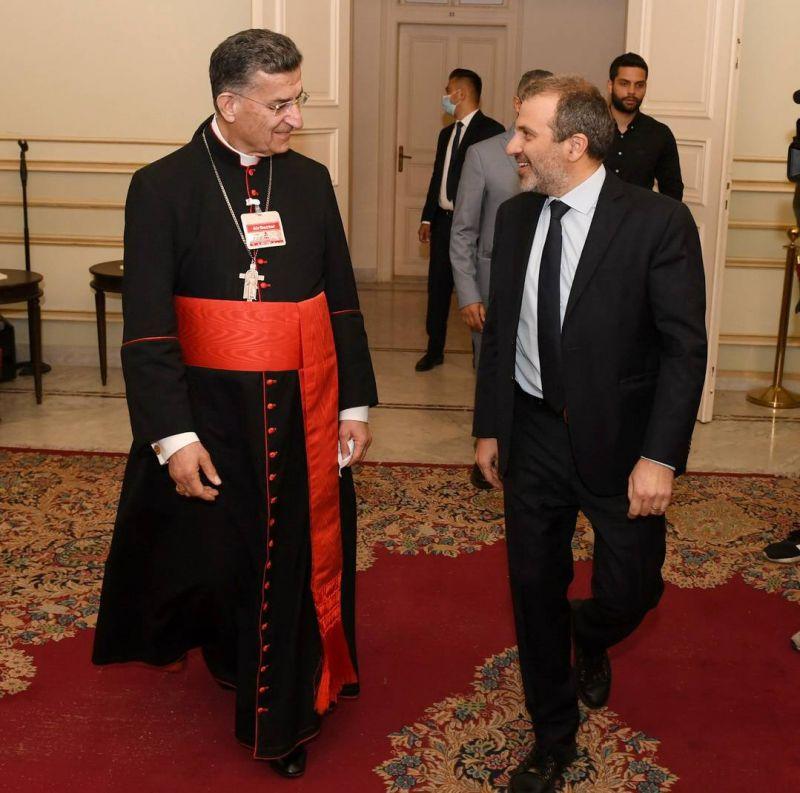 Hariri à Rome, Bassil à Bkerké, et le pays n'est pas au bout de ses peines