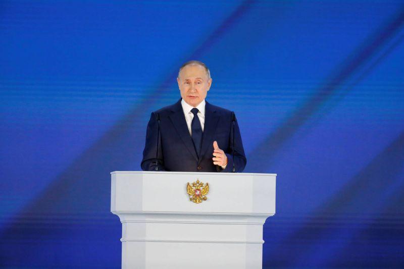 Poutine vise l'immunité collective à l'automne en Russie